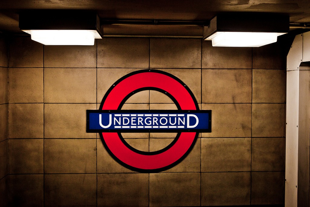 Six unspoken rules of the London Underground | Everyday30.com