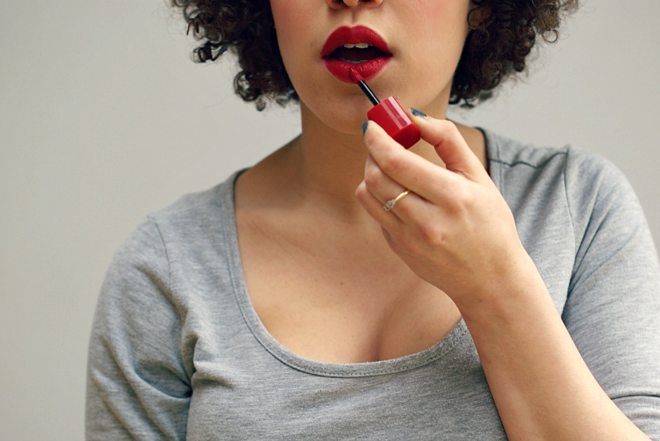 how to wear lipstick (even if you think it doesn't suit you)