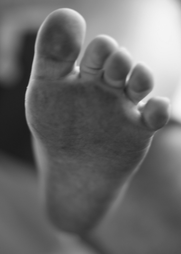 Cutting toddlers' toenails | Everyday30.com